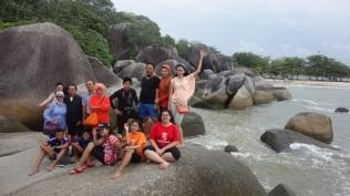 Di pantai Tanjung Tinggi