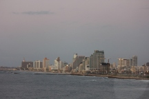 Tel Aviv - di tepi laut Mediterania